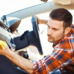 Как избавиться от рыбных запахов в машине