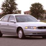 Как изменить термостат в Buick LeSabre 2005 года?