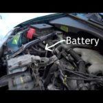 Как извлечь батарею из Chevy Venture Van 2005