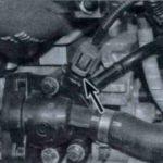 Как найти датчик температуры охлаждающей жидкости на Volvo S40