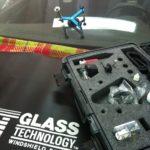 Как остановить трещины от бега на лобовом стекле
