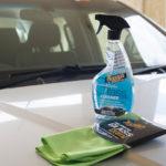 Как почистить внутреннее стекло автомобиля