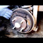 Как поменять барабанные тормоза на кавалере 2001 года