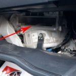 Как поменять салонный фильтр на F-150