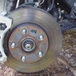 Как поменять тормозные диски на Toyota Corolla