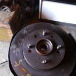 Как поменять задние дисковые тормоза на Honda 1997 года