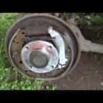 Как поменять задние тормоза на Chrysler Sebring