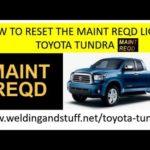 Как сбросить Maint. Требуется свет на Тойота Тундра