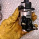 Как снять клапан рециркуляции отработавших газов в Ford Expedition