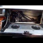 Как снять перчаточный ящик с Mercedes