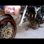 Как снять переднее колесо на мотоцикле Honda