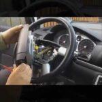 Как снять руль с пикапа Chevy 1995 года
