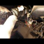 Как снять зажигание на Toyota 1994 года