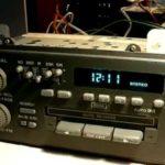 Как установить часы на радио Delco