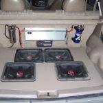 Как установить сабвуферы в Ford Escape