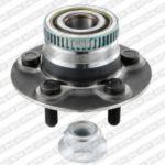 Как установить ступицы и подшипники задних колес на PT Cruiser