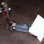 Как установить топливный фильтр в 2003 Chevy Impala