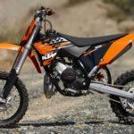 Как заменить аккумулятор на мотоцикле KTM
