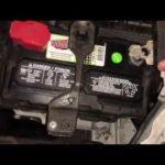 Как заменить аккумулятор в Honda Accord