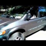 Как заменить бак для восстановления охлаждающей жидкости в Dodge Caravan