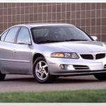 Как заменить батарею в Pontiac Bonneville 2000 года