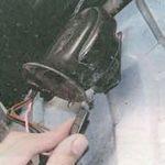 Как заменить гудок в Ford Explorer