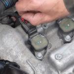 Как заменить катушку зажигания в Chevy Cobalt