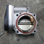 Как заменить корпус дроссельной заслонки в Pontiac Grand Am