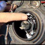 Как заменить лампу фары на Mazda Tribute 2003 года