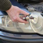 Как заменить лампу накаливания в Chrysler Sebring