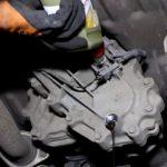 Как заменить масло в раздаточной коробке Ford Ranger