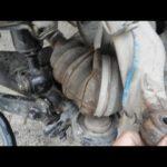 Как заменить подшипники передних колес в Nissan Trucks