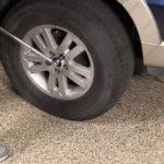 Как заменить подшипники заднего колеса на Ford Explorer
