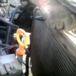 Как заменить радиатор на Караване 2006 года