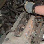 Как заменить свечи зажигания в Toyota Corolla