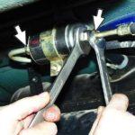 Как заменить топливный фильтр в Chevy S10