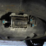 Как заменить топливный фильтр в Ford Expedition