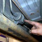 Как заменить топливный насос Chevrolet Silverado