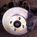 Как заменить тормозные колодки на Ford Fiesta