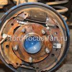 Как заменить тормозные колодки на Ford Focus