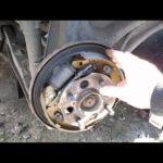 Как заменить тормозные колодки на Honda Civic