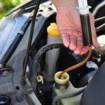Как заменить трансмиссионную жидкость в 1999 году Chevy Malibu