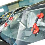 Как заменить заднее боковое стекло в Dodge Van