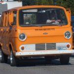 Как заменить задний фонарь в фургоне Chevy Express