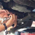 Как заменить жидкость для автоматической коробки передач в Mitsubishi Galant