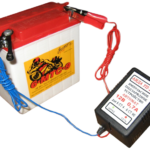 Как зарядить 12-вольтовую батарею для скутера