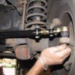 Когда заменить рулевые тяги