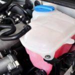 Причины, по которым вы чувствуете запах антифриза внутри вашего автомобиля