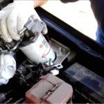 Замена фильтра топливного насоса на пикапе Nissan