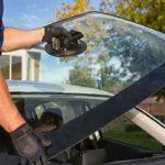 Замена печати на стекле автомобиля